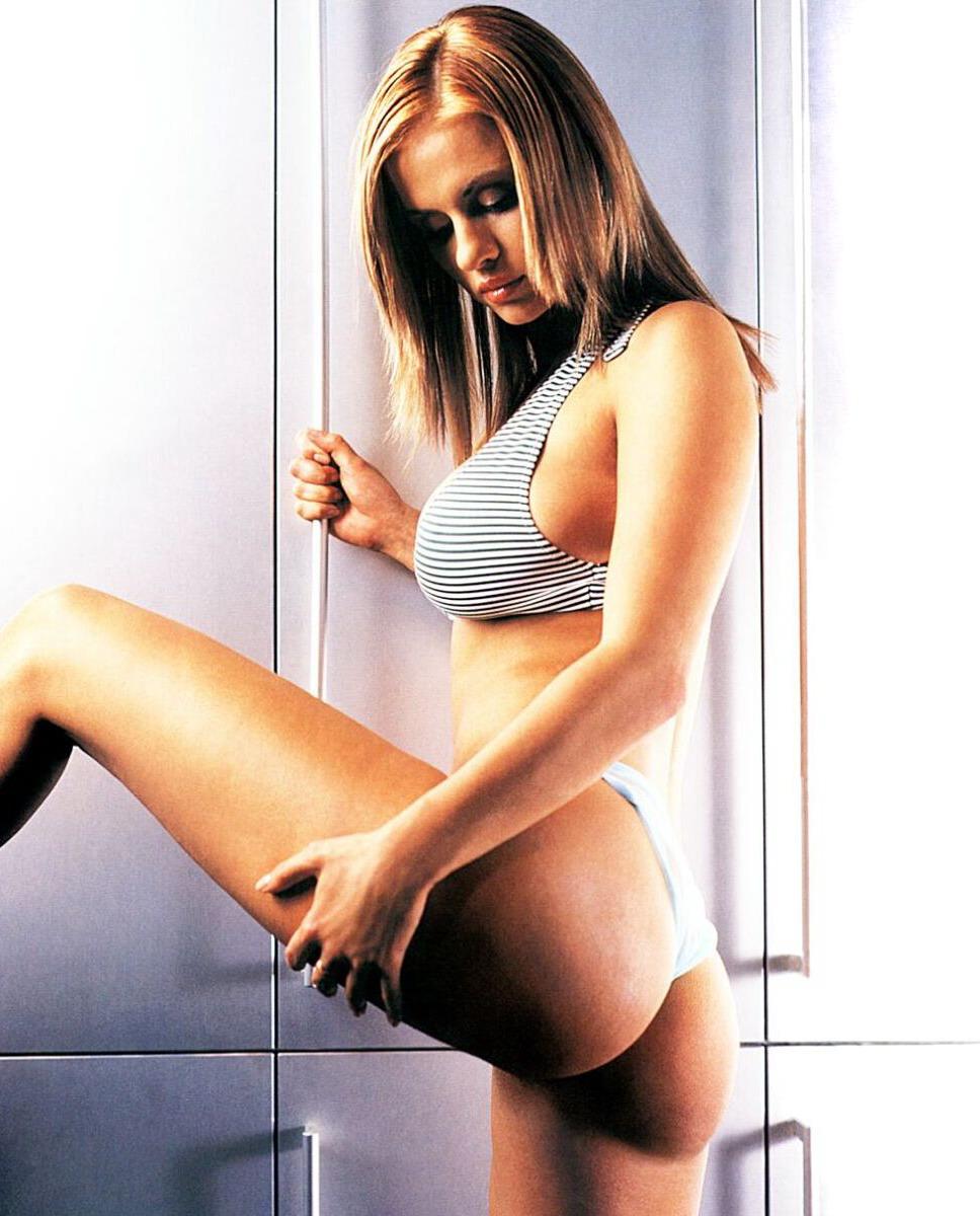 Все фото Анны Семенович для журнала Максим. Неувядающая Анна Семенович - 1