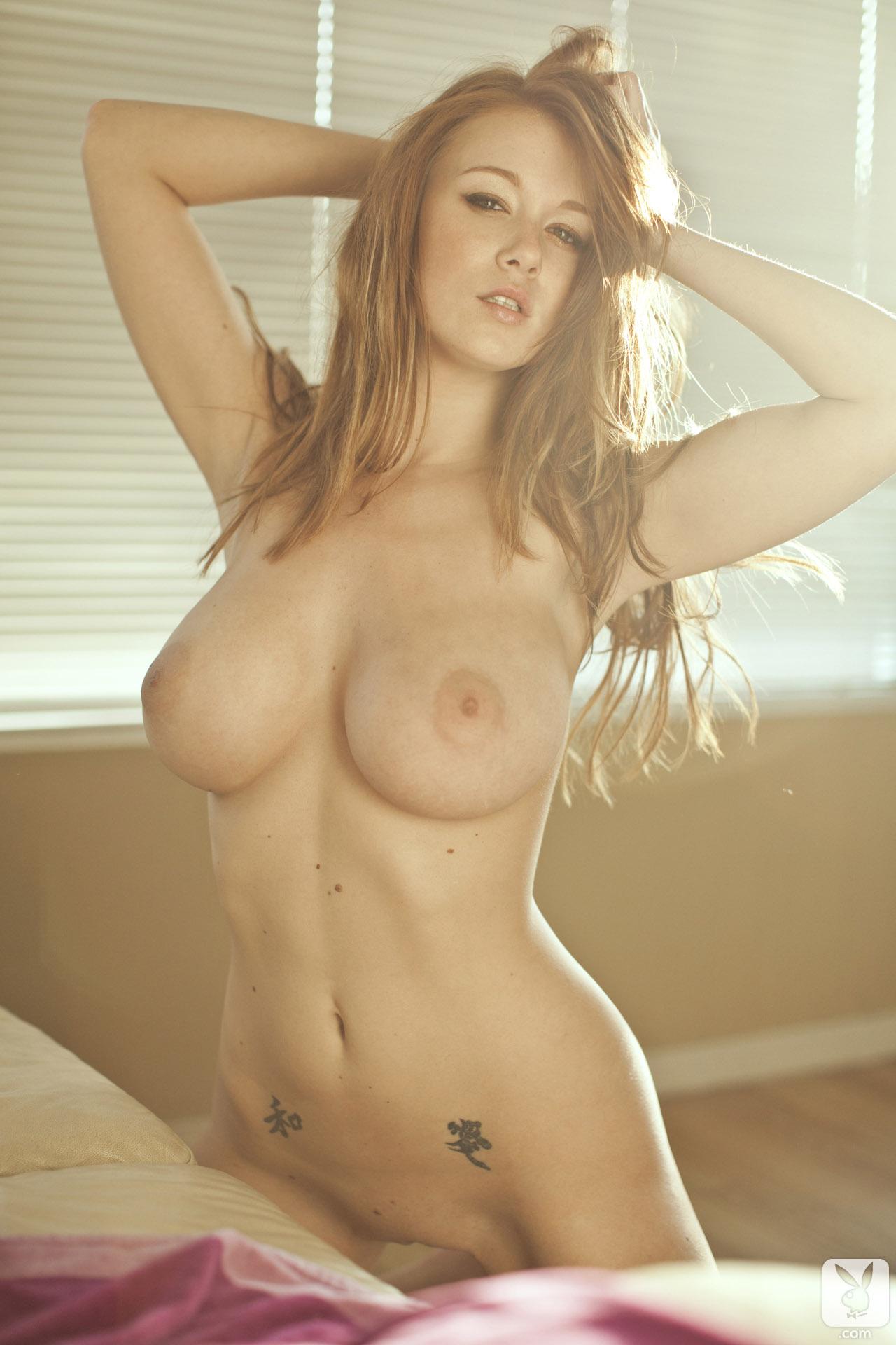 Пышные грудастые голые девушки онлайн 17 фотография